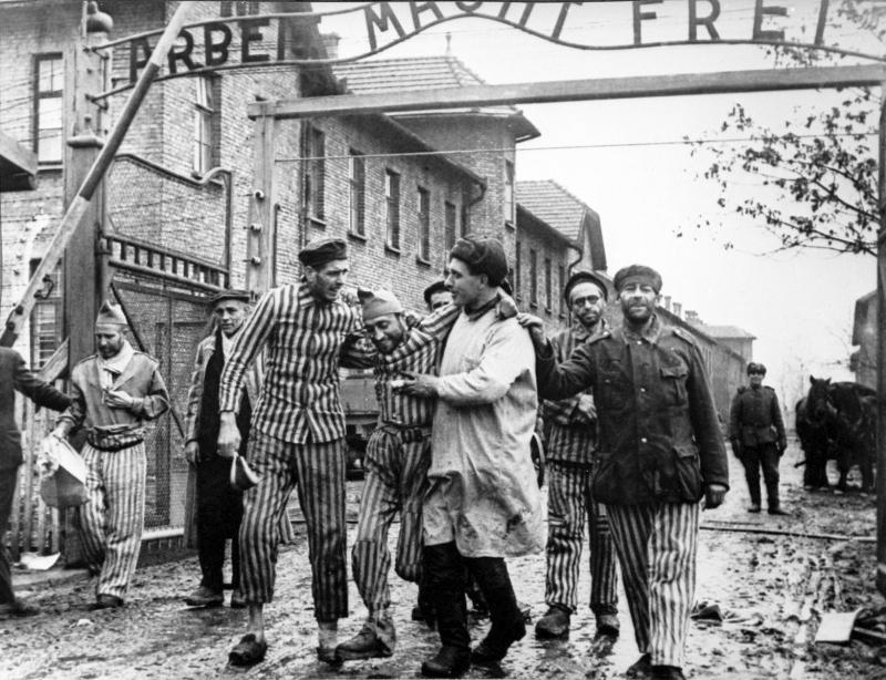 Virtuális séta Auschwitzban az Élet Menetével ZOOM-on