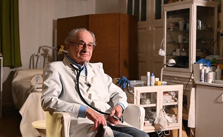 97 évesen is praktizál a holokauszt-túlélő háziorvos