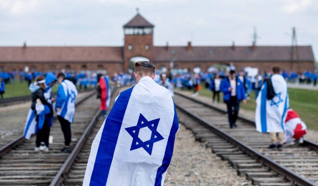 Virtuális Élet Menetével tisztelegnek a holokauszt idején helytálló orvosok és ápolónők előtt