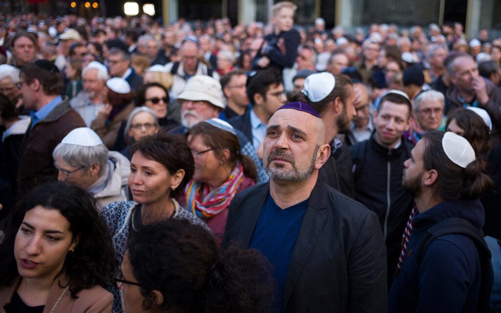 Lelkiismeretesebb, őszintébb szándékú vezetőket, feddhetetlen rabbikat