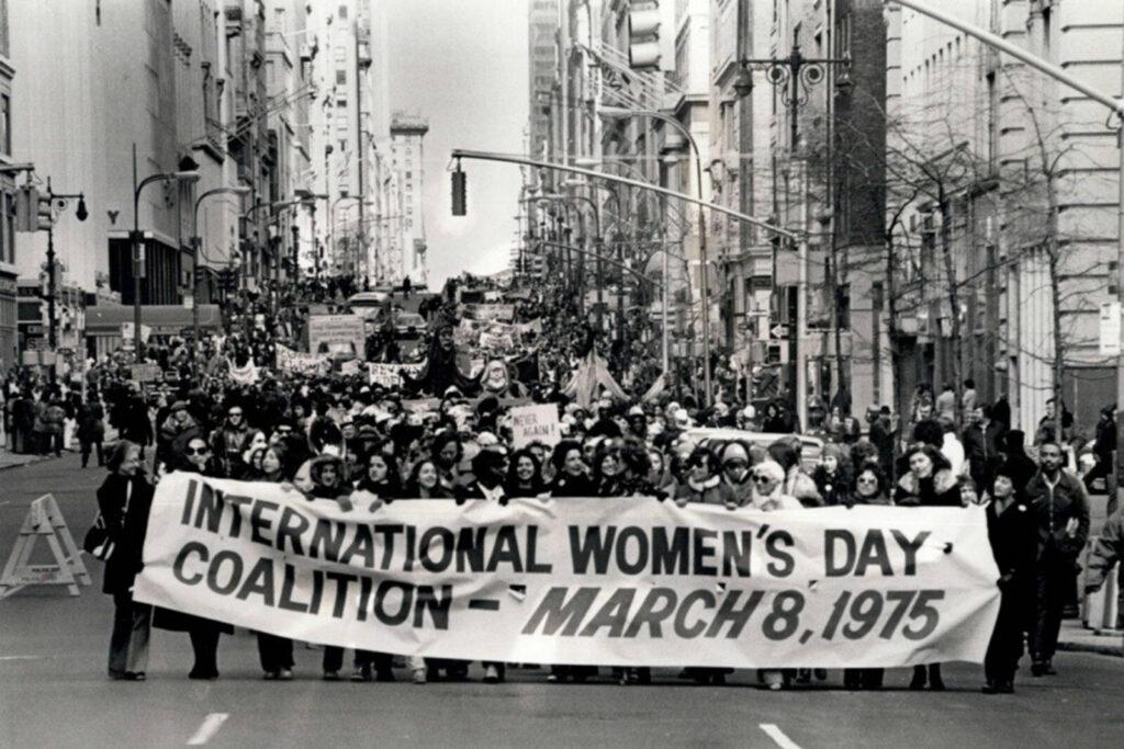 A zsidó munkásnő, akinek a nemzetközi nőnap köszönhető