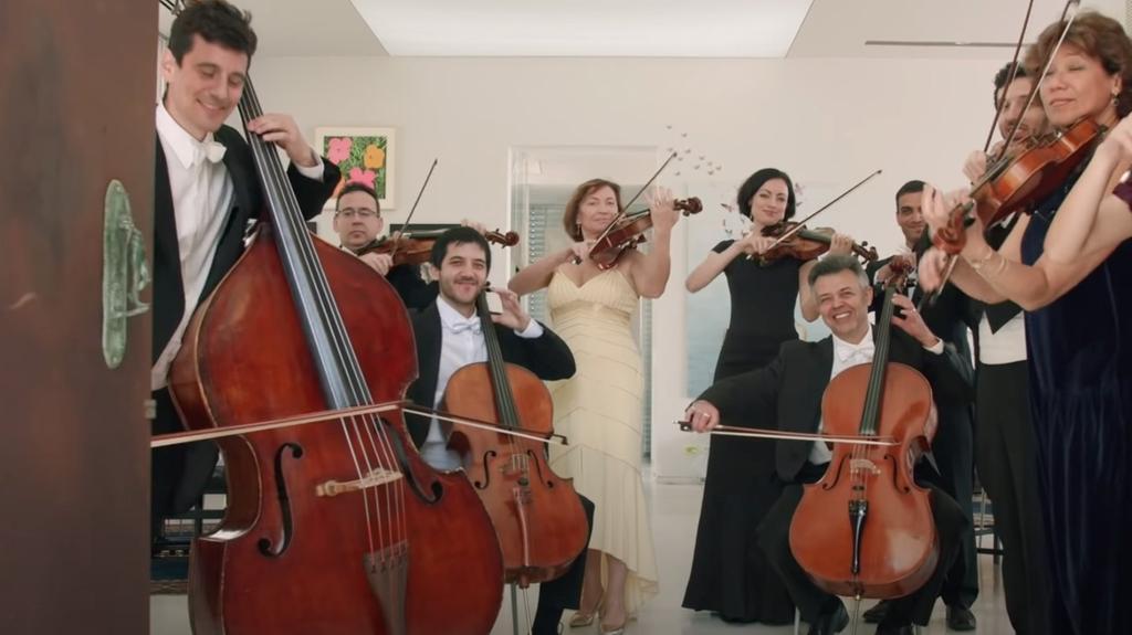 Egy izraeli szimfonikus zenekar zenét szolgál fel pészachra