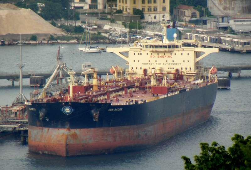 Egy Iránból Szíriába olajat csempésző tankhajó okozta a szennyezést az izraeli partoknál