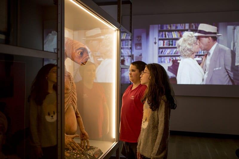 A világ legnagyobb zsidó múzeuma nyílt meg Tel-Avivban