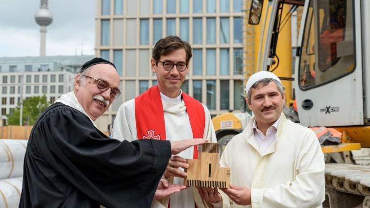 Keresztény-zsidó-muszlim imaház épül Berlinben