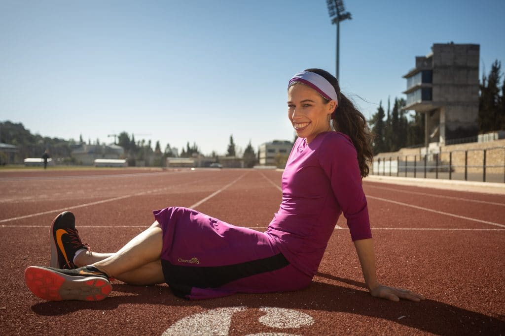 Ötgyerekes ortodox maratonfutónő az Adidas új kampányának arca – Kibic Magazin