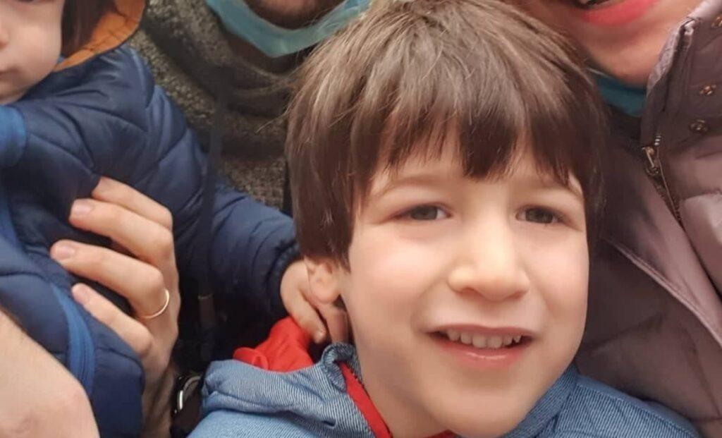 Engedély nélkül magával vitte nagyapja az olasz síliftbalesetben árván maradt izraeli kisfiút