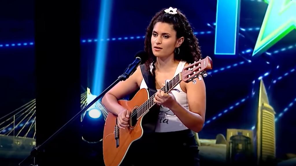 Az izraeli himnuszt adta elő egy dél-amerikai tehetségkutató résztvevője