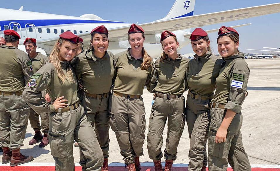 Ejtőernyős ugrással emlékezett 100 izraeli katona a 100 éve született Szenes Hanna hőstettére
