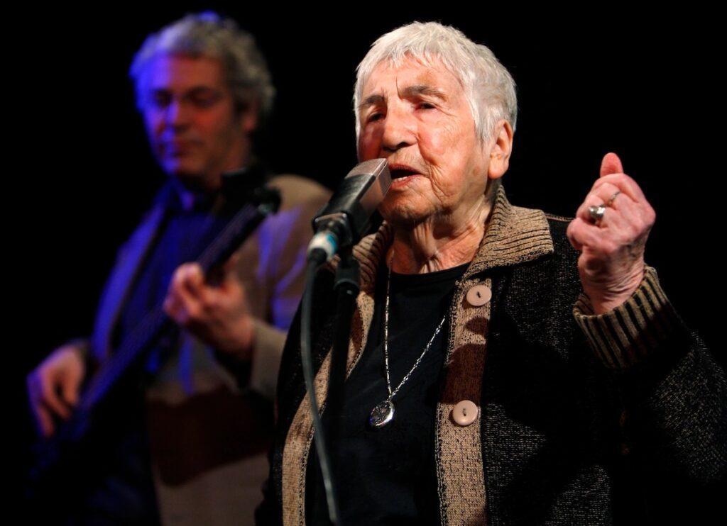 Meghalt a holokauszt-túlélő, aki a zene erejével harcolt a rasszizmus ellen