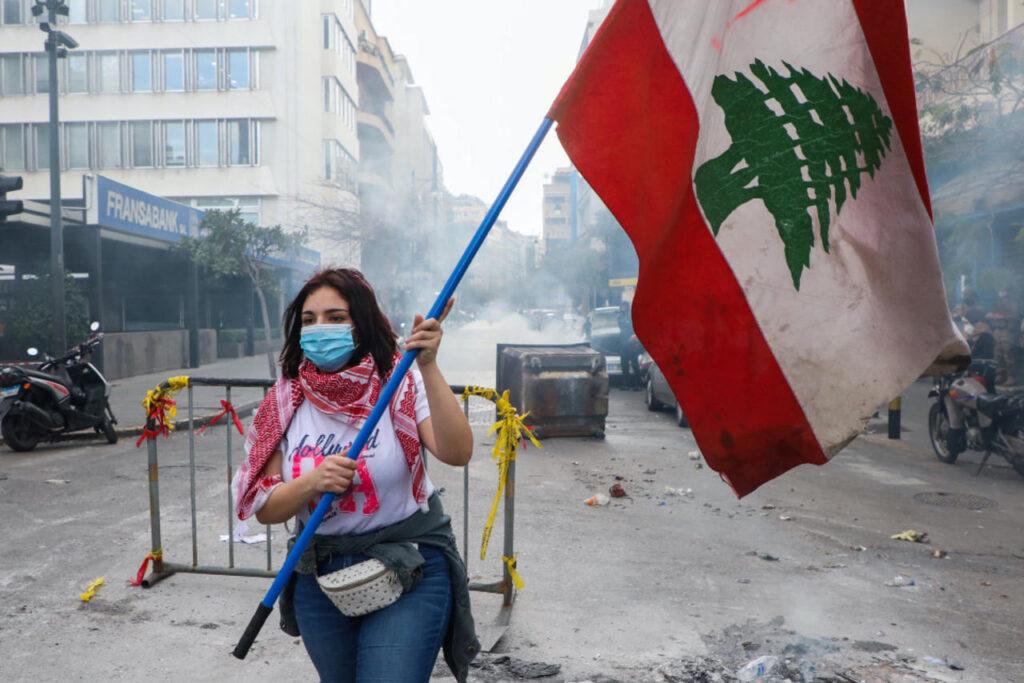 Izrael humanitárius segítséget ajánlott a súlyos gazdasági válsággal küzdő Libanonnak