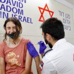 Drámai mértékben növekszik a fertőzöttek száma Izraelben, újabb szigorítások jöhetnek