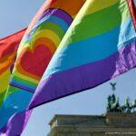 A német nagykövetség szerint helytelen, hogy Deutsch Tamás a szivárványos zászlót a horogkereszthez hasonlította