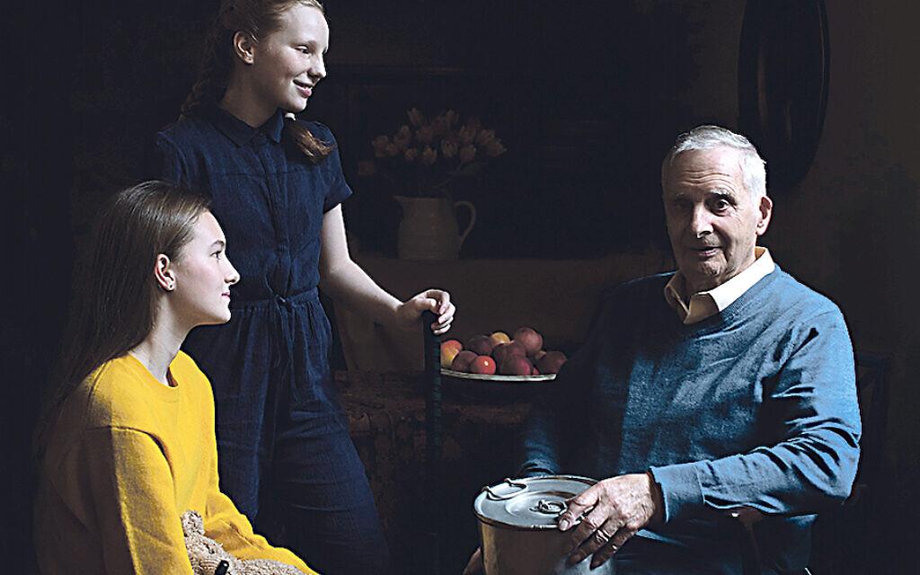 Holokauszt túlélő 21 fős családját montázsolták össze egyetlen megható képre