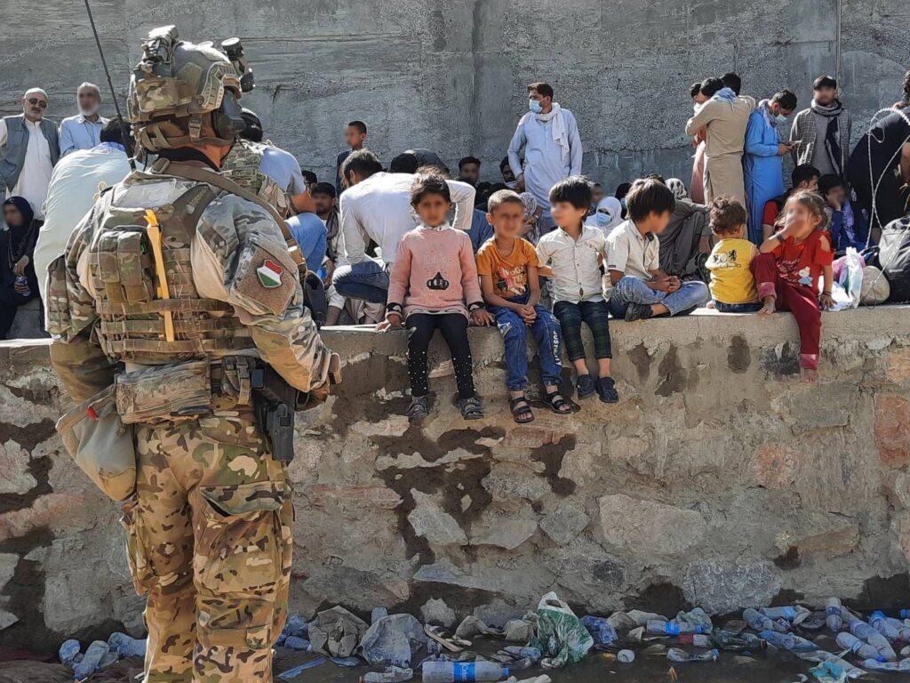 540 embert mentettek ki a magyar katonák Afganisztánból – Képgaléria