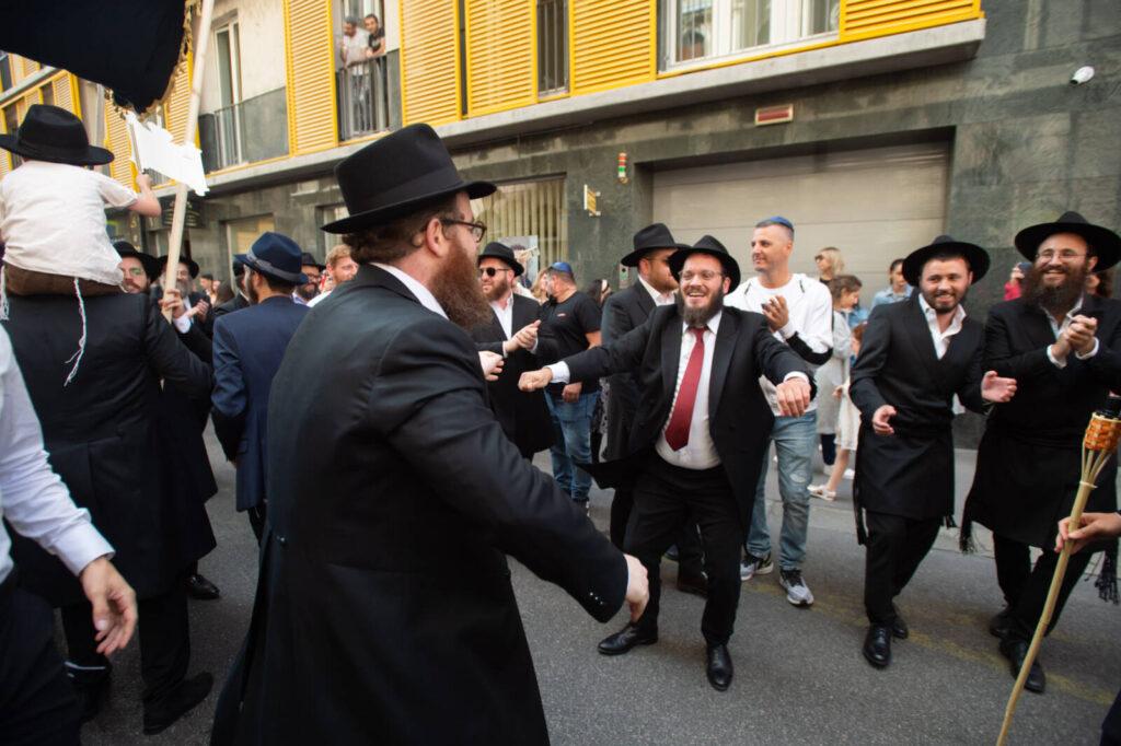 TEV: Baseballütővel fenyegették az EMIH új zsinagógájának avatására érkezőket