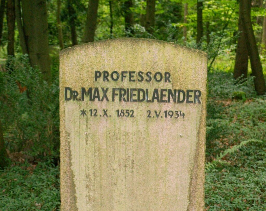 Egy zsidó professzor sírhelyében temették el az ismert holokauszttagadó neonácit