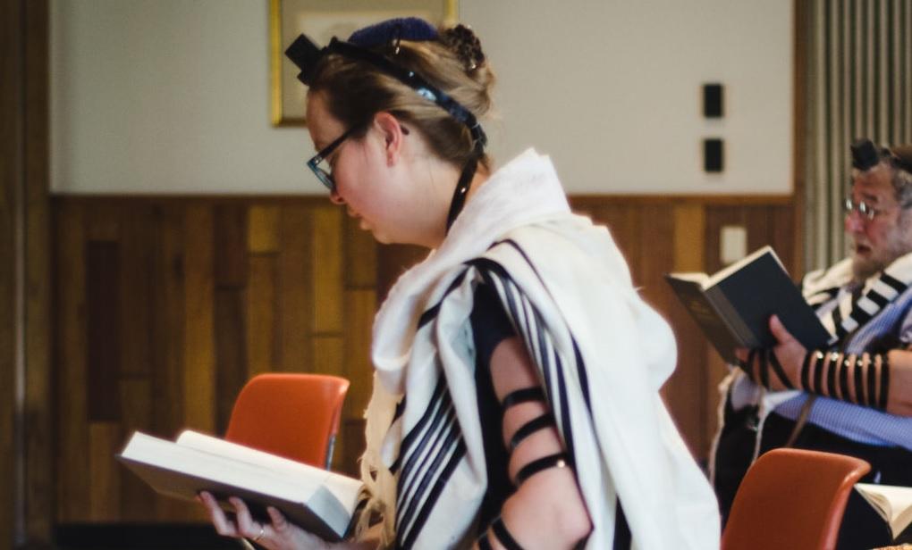 Transznemű nő lett a 10. férfi egy ortodox zsinagógai minyenben – Kibic Magazin